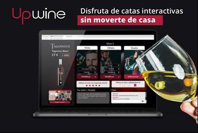 Vaso de vino delante de una pantalla de ordenador. Texto superpuesto: Upwine: Disfruta de catas interactivas sin moverte de casa.